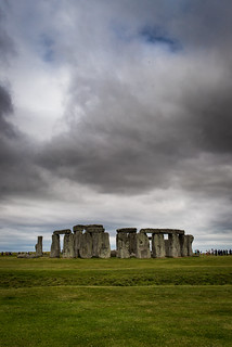 Image of Stonehenge. rafaelanjinhu rafaelhbarroso uk unitedkingdom england scotland scotish nikon d610 london londres londra inglaterra londrina trip traveling stonehenge bath photo sky clouds green tradition rocks folklore english old screensaver