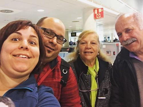 Con mis padres en el aeropuerto