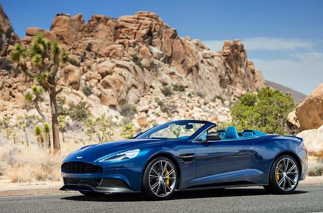 Aston-Martin-Vanquish-Volante-2013-3