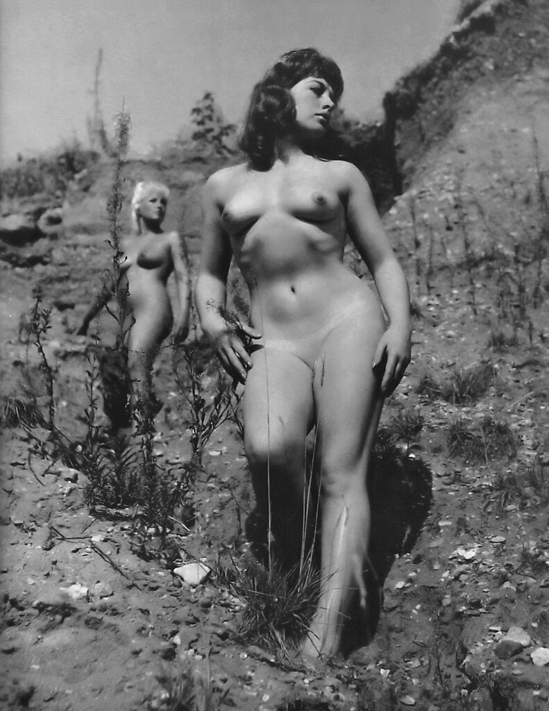 plus size posing naked