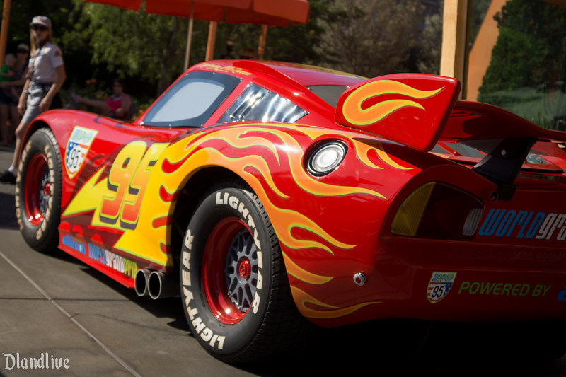 Lightning McQueen - Cars Land