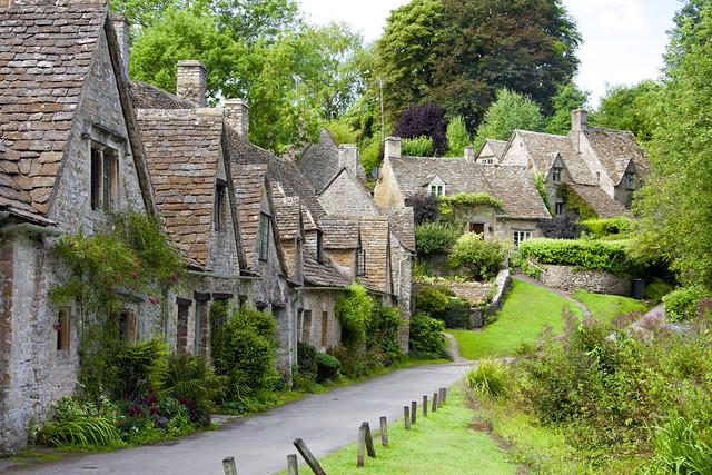 5 pueblos que bien podr an pasar por una aldea hobbit - Paginas de casas rurales ...