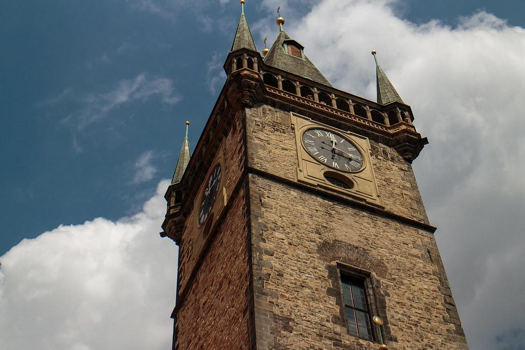 מגדל השעון האסטרונומי
