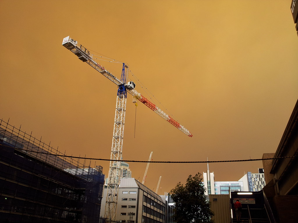 Crane at UTS ~5:10pm