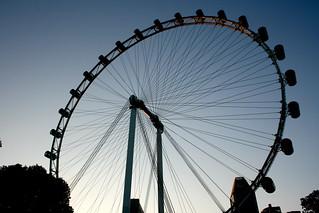 Singapore Flyer Wheel जवळ सिंगापुर की छवि. singapore asien singapur marinabay
