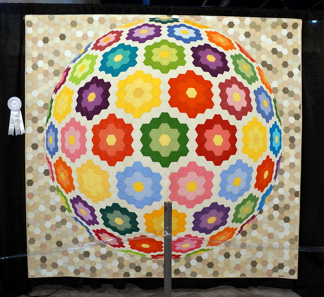 Together in a Friendship World by Geta Grama and Quilt.RO Group