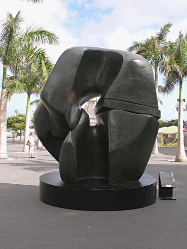 Henry Moore, Locking Piece