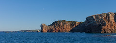 https://www.twin-loc.fr Les falaises d'Hendaye depuis la mer - Pays Basque Euskadi - Photo Image Photography