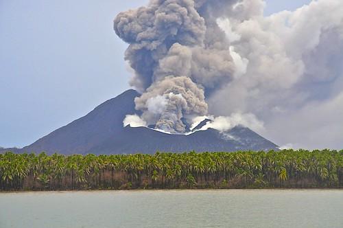 volcano papuanewguinea rabaul newbritain tavurvur