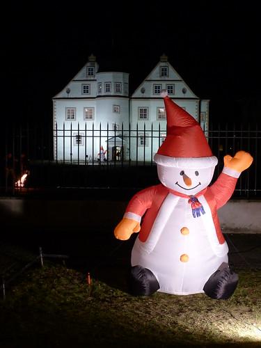 Weihnachtsschneemann vor Jagdschloss KW