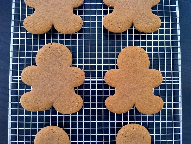 Gingerbread Men Cooling