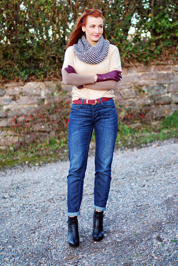 Boyfriend jeans & layers