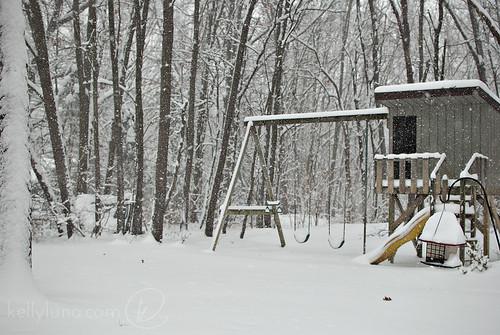 010514-snow-yard