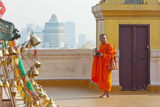 Image of Golden Mount near Bangkok. thailand asia southeastasia december bangkok monk goldenmount 泰国 watsaket krungthepmahanakhon ราชอาณาจักรไทย ประเทศไทย 2013 กรุงเทพมหานคร canon450d canonef70300mmf456lisusm