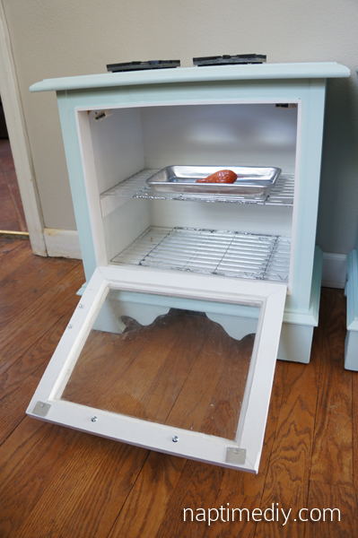 DIY Play Kitchen 18 (NaptimeDIY.com)