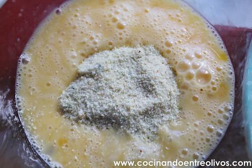 Falafel con pan de pita y salsa de yogur. www.cocinandoentreolivos (11)