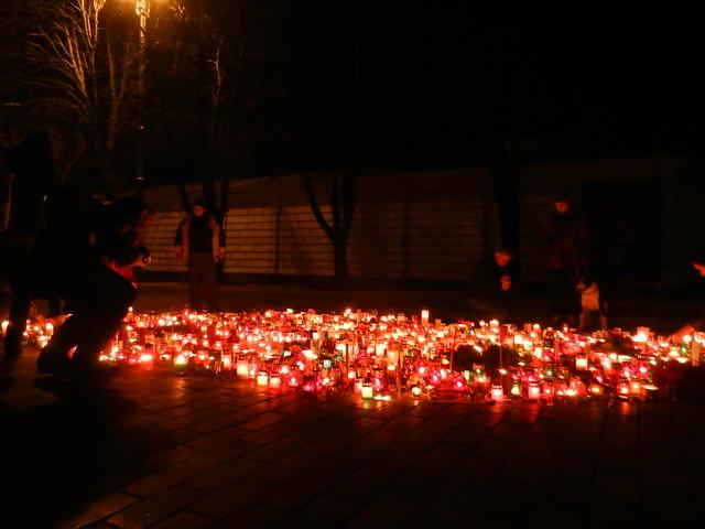 Свечи в честь Небесной сотни