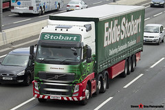 Volvo FH 6x2 Tractor with 3 Axle Curtainside Trailer - PX10 DKV - H4512 - Catriona Grace - Eddie Stobart - M1 J10 Luton - Steven Gray - IMG_5135