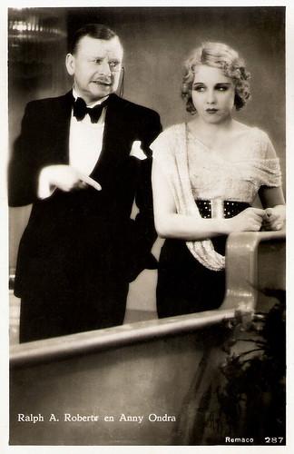 Ralph A. Roberts and Anny Ondra in Eine Nacht im Paradies (1932)