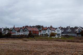 Belles maisons le long de la plage de Kingsdown