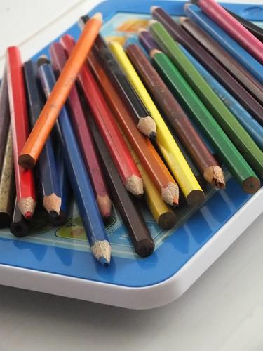 pinsil warna