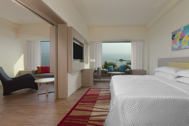 fpt3947gr-141629-Executive Ocean Front Suite
