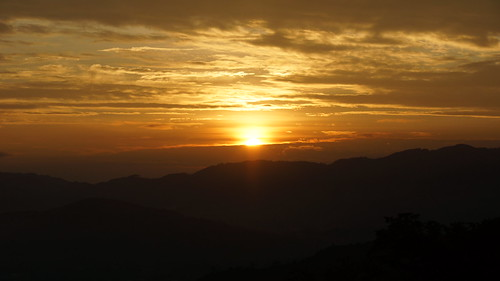 november sun sol sunrise dawn solar eclipse costarica sanjose amanecer hybrid partial solareclipse híbrido 2013 hybridsolareclipse solareclipsecostarica