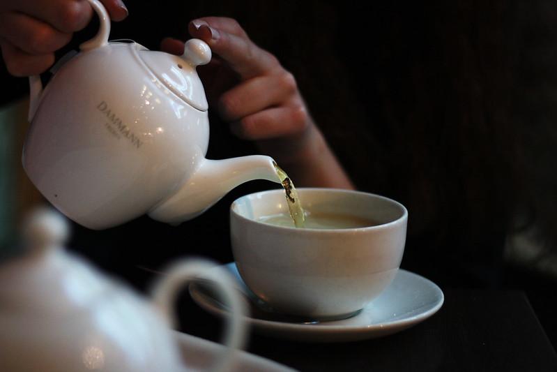 drack te i väntan på bussen