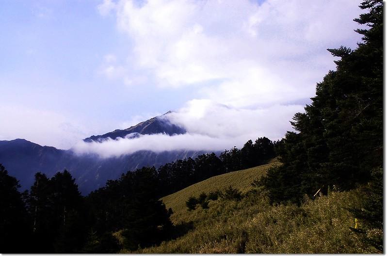霧鎖奇萊北 13