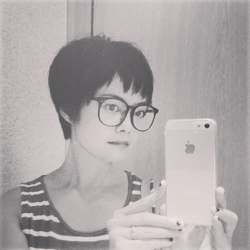 new haircut: pixie style... getting shorter and shorter.