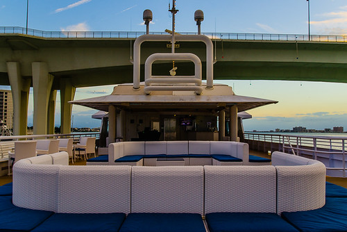 How to relax onboard Yacht StarShip Dining Cruise at Clearwater Harbor Marina