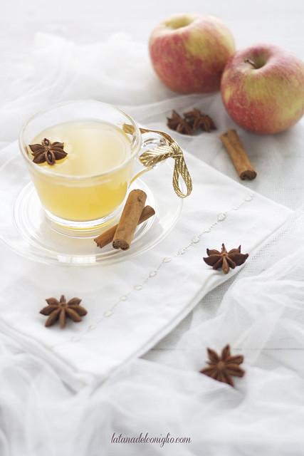 succo di mele caldo e speziato o brulè di mele
