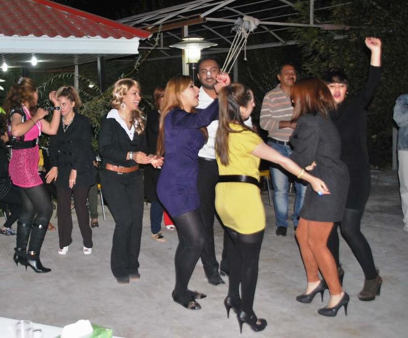 19 Fiesta y bailoteo en casa de Parisa en Shiraz (6)