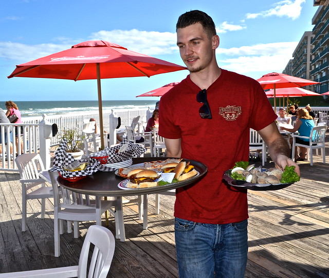 Where to eat in Daytona - Racing North Turn