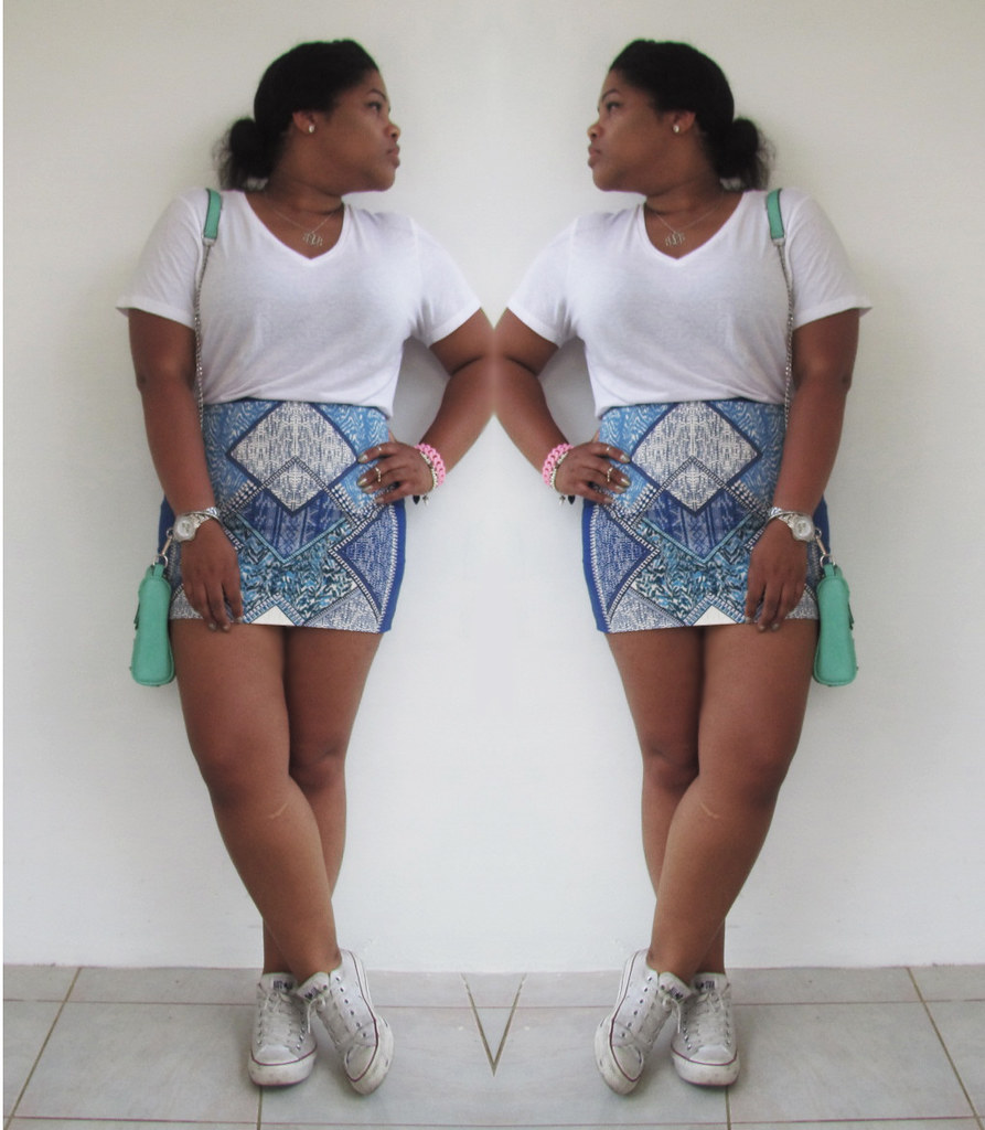 converse, hnm, hm, new look, graficos, outfit of the day, how to style, white tee, mini skirt