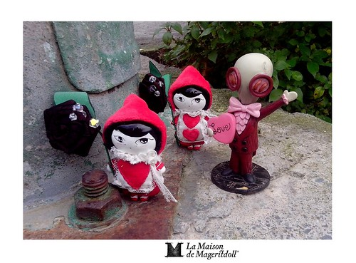 Mageritdoll: THE Playing Card Soldier...El Soldado Naipe + MR. GOSH - Lenore (Resin Art Doll Jewelry - Joyas de Muñeca. Muñeca artística resina) by La Maison de Mageritdoll