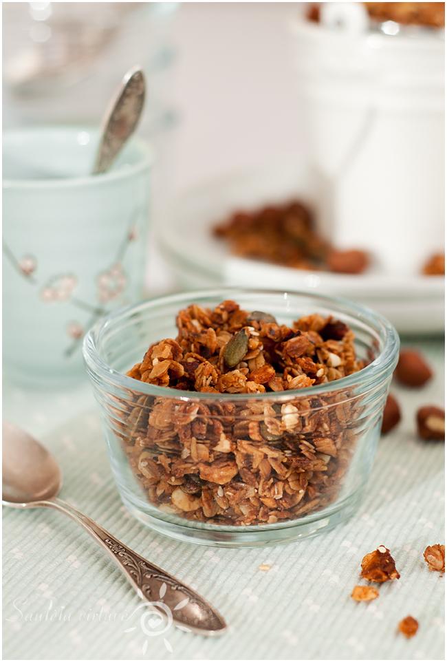 Riešutų sviesto granola (3)
