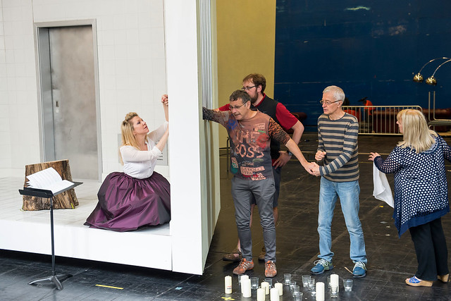 Joyce DiDonato, Moshe Leiser, Matthew Rose, Patrice Caurier and Kathleen Wilkinson in rehearsals for Maria Stuarda © ROH/Bill Cooper, 2014