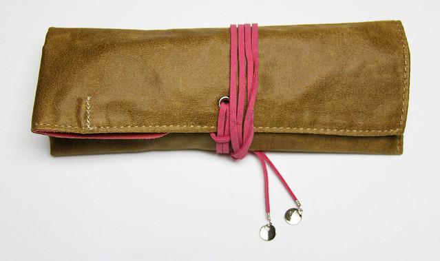 Review: PlePle Choco Pencil Case - Hot Pink @JetPens