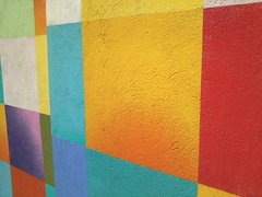 The polychromatic wall