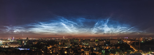 Noctilucent clouds over Moscow