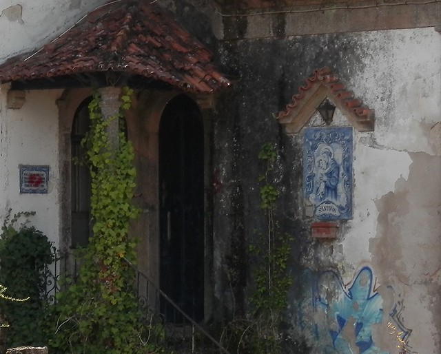 Capilla de un viejo pazo abandonado 2