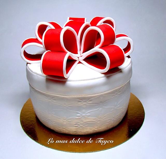 Gift Cake by Lo mas dulce de Tuyco