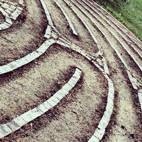 Turns on a Labyrinth