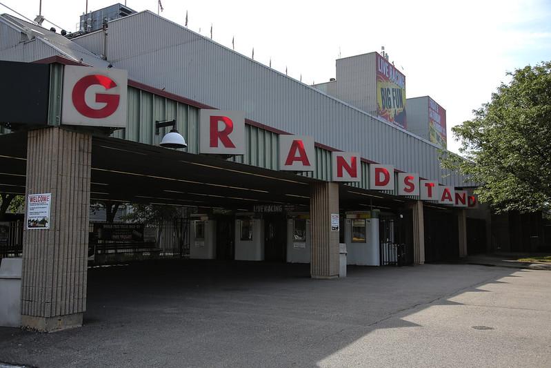 Meadowlands Racetrack Grandstand Entrance