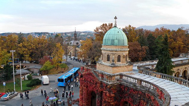 Mirogoj Cemetery by CC user miroslav-vajdic on Flickr