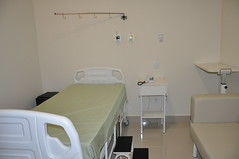 apartment(0.0), room(1.0), property(1.0), bed(1.0), clinic(1.0), medical(1.0),