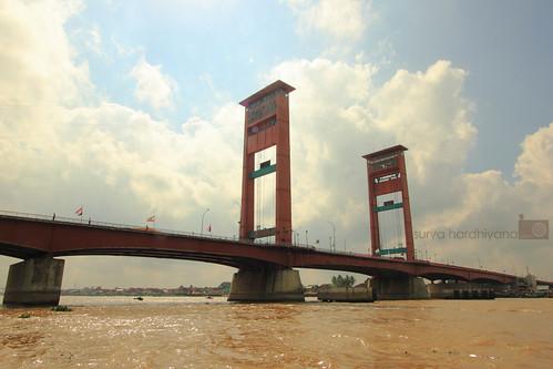 Jembatan Ampera Palembang Saat Siang Hari