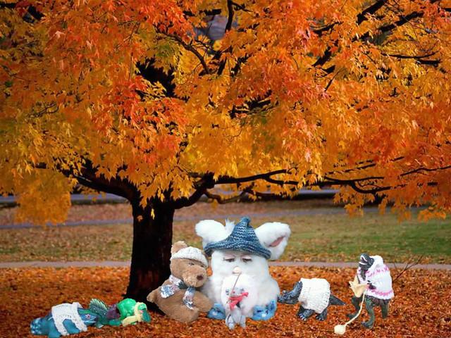Knit line up Fall Tree