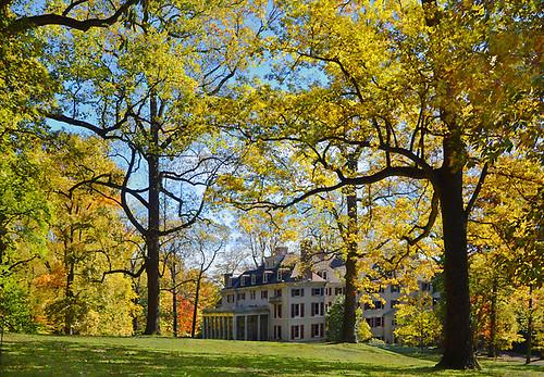 fallcolors mansion delaware winterthur